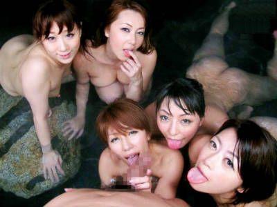 夜の混浴露天風呂に入ったらエロすぎる熟女たちの集団に精子搾り取られた 風間ゆみ 北条麻妃 結城みさ 川上ゆう 村上涼子