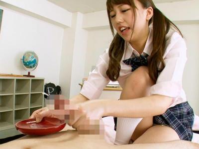 焦らされ亀頭を責められ皿の上に射精させてそのまま連続でさらに搾り取る 里美まゆ