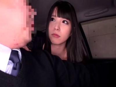 タクシーの運転手にクレームをつけてベロチューして乳首を責める痴女 上原亜衣