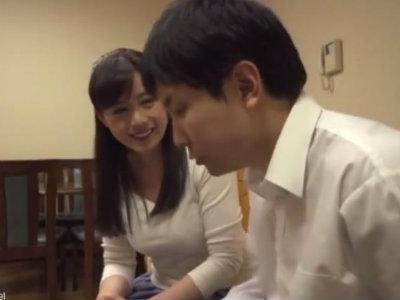 綺麗で清楚な近所の奥さんに媚薬を入れられビンビンになったチンポを弄ばれた童貞 三浦恵理子