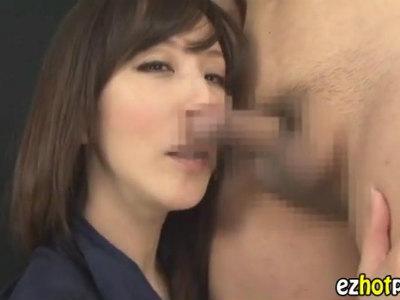 「いやらしい匂い」チンポの匂いを嗅いで淫乱スイッチが入ってしまう熟女 澤村レイコ