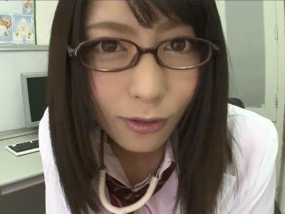 「もしかしてオカズが欲しいの?」パンチラ見せつけオナニーさせてセンズリ鑑賞する美少女 桜井あゆ