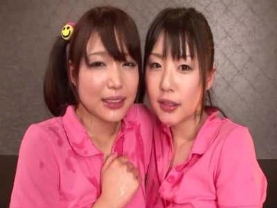 精液をお口に受け止めそのままレズキスする美少女2人組がエロティック 碧しの つぼみ