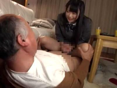 年上のM男を翻弄するロリ系美少女たちのエロ行為 なつめ愛莉 なごみ