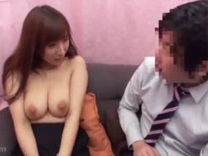 女上司の巨乳に暴発寸前の童貞部下