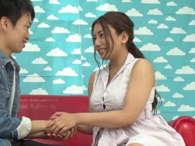 優しくて美人な23歳の巨乳OLが初めてのHの相手でした 松本メイ