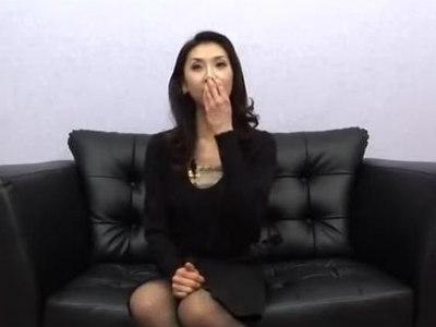 元アイドルの熟女!色気たっぷりなわいせつ行為 瑞紀志穂