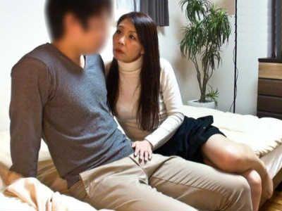 催眠術で熟女を淫乱痴女化にして発情させて息子と近親相姦させてしまう企画