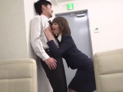 高飛車な先輩OLに会社の中で痴女られ犯られまくる年下M男性社員 川村まや 神波多一花 笹倉杏