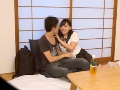 童貞クンに積極的に絡んでイチャイチャして誘惑する巨乳お姉さん 江上しほ