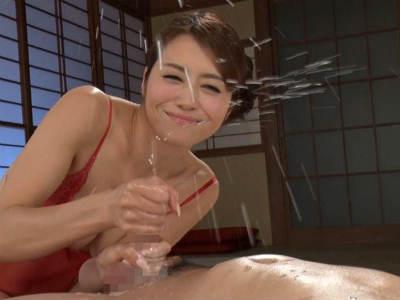熟練された絶品テクでM男をじっくりと責めて男汁をスプラッシュさせる熟女 北条麻妃