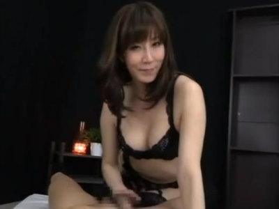 責め好き熟女のM男を男へのフェラがスケベ過ぎる 澤村レイコ