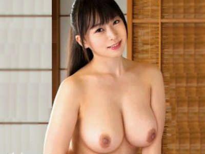 「どうしたんですか?」ずっと全裸で過ごしてる人妻は旦那以外の男の前でも裸 羽月希