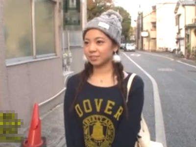 応募してきた素人男性のところへファンのAV女優をデリバリー 吉澤友貴