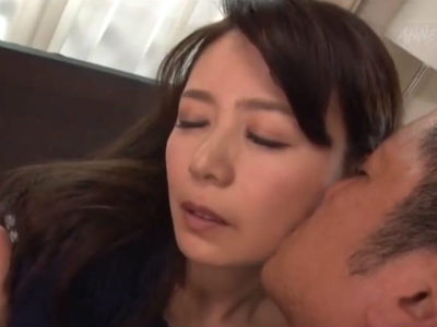 セックスレスで我慢できなくなった人妻がメンズデリヘルを頼んだ結果 三浦恵理子