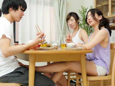 「今日は私たちに付き合ってよ」シェアハウスでお姉さん2人の性欲処理をさせられた