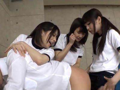 ブルマのロリ系美少女たちにアナルを逆輪姦されるM男 麻里梨夏 涼宮琴音 跡美しゅり