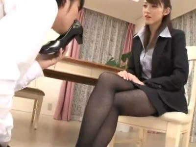 「何アナタ、足が好きなの?」脚フェチ変態M男にはどんな説教もご褒美になる 森沢かな(飯岡かなこ)
