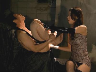 「ほら入っちゃうよ」淡々としかし確実にM男をメスイキさせる女王様のM男調教