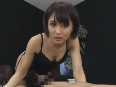 美人お姉さんに見つめられながらネットリフェラされるM男 夏目優希