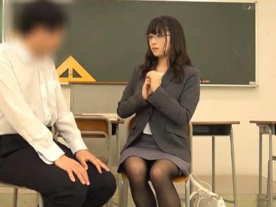 卒業しても先生の事が好きな童貞君が告白したらどうなるのか?