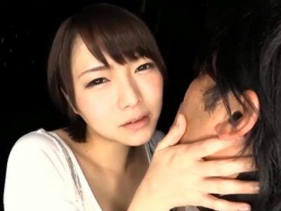 「我慢しなくていいのよ」粘着度の低い唾液をダラダラ垂らしながらM男を舐めまくるお姉さん