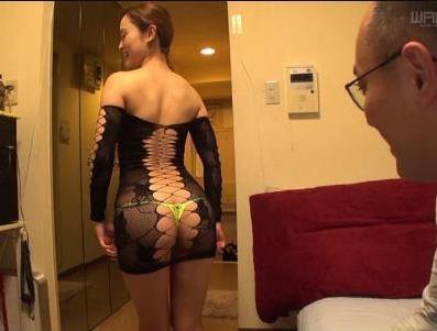 エロい格好で素人M男クンのアパートへ訪問する痴女 桐嶋りの