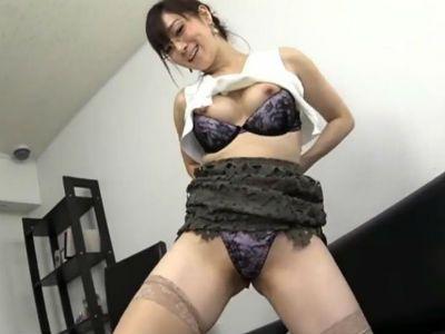 川上ゆう痴女動画逆痴漢マダム