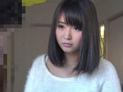 近所の少年のオチンポを楽しんじゃうむっちりお尻のお姉さん 浅田結梨