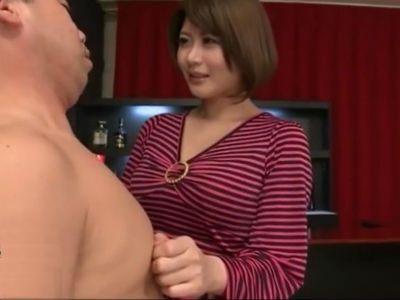 「これが感じるんですか?」乳首が気持ちいいM男の要望で乳首を噛む巨乳美女 推川ゆうり