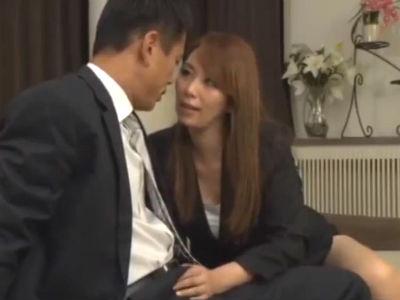 熟れた身体をスーツに包んだどエロな熟女OLたちの男食い 翔田千里 大嶋しのぶ
