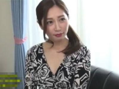 乳首責めマイスター佐々木あきの乳首舐め手コキ発射!
