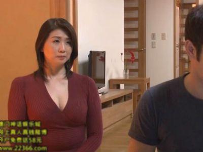 1週間泊まることになった若い甥っ子を誘惑し始める叔母さん 吉岡奈々子