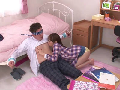 友達の美人なお姉さんに手を拘束され乳首を責められスパイダー騎乗位で逆レイプが初体験でした 篠田ゆう