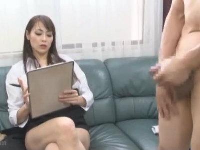 ドS熟女のセンズリ鑑賞面接からペニバン逆アナル 広瀬奈々美