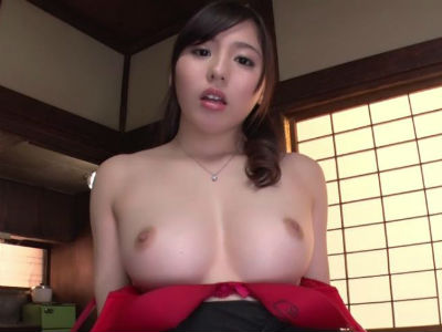 旦那とのセックスに不満になり義父を誘惑し始める巨乳人妻 江上しほ