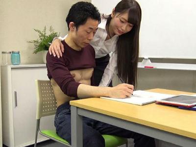 関西弁でエロい事を言いながら勃起した童貞チンポを弄んで密室セックスを楽しむ女子大生