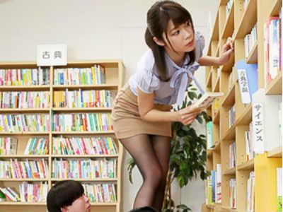キレイな女教師は美脚で生徒を誘惑して、勃起チンコしゃぶるスケベだった