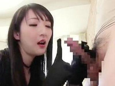 「変態ちんぽ♡変態ちんぽ♡」淫語をつぶやきながら手袋手コキ