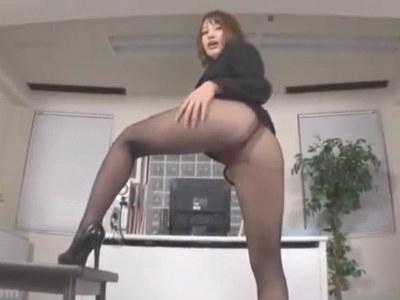 エッチなOLのパンスト着衣の脚フェチ痴女動画 本田莉子