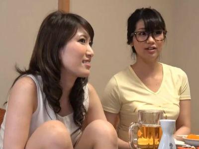 2人組の女子は一人がヤリマンだと流されて真面目な子も痴女化する?