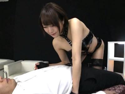 「乳首コリコリになってる」アドリブプレイでM男を弄ぶボンデージ痴女お姉さん 涼川絢音