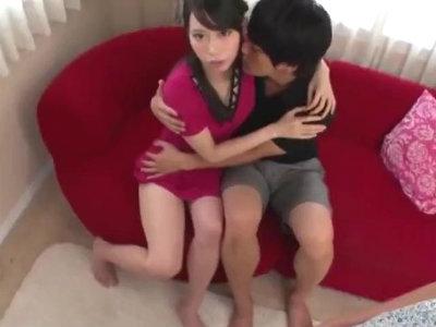 「よく見てて」目の前で他の男と濃厚すぎるディープキスを見せつける寝取られエロ動画 川菜美鈴