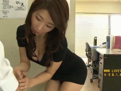 「こういう所見られたら大変…?」部下の奥さんが会社でボクを痴女ってくる 篠田あゆみ