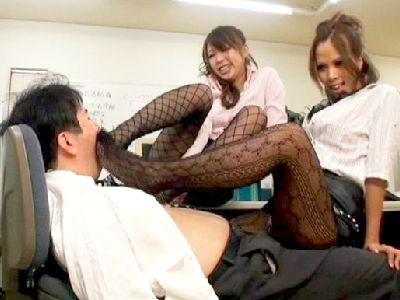 M男→SM奴隷!美脚のドスケベ女達に思う存分いじめられたい!!ビンタ、顔騎、尻コキ、アナル、恐ろしい痴女テクニック!