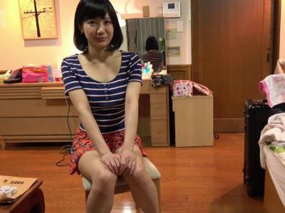 30分限定で憧れのAV女優と2人きり!しかし最後に自分のザーメンを口移しされるんです 星川麻紀