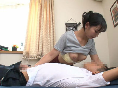 家庭教師が思春期な生徒のガチガチチンポを弄り回して授乳手コキ 神ゆき