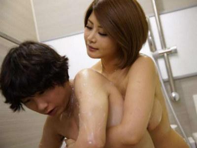 「もっとしっかり洗ってあげる」巨乳の親戚の叔母さんがお風呂で童貞のボクにいやらしい事を 前田可奈子 推川ゆうり