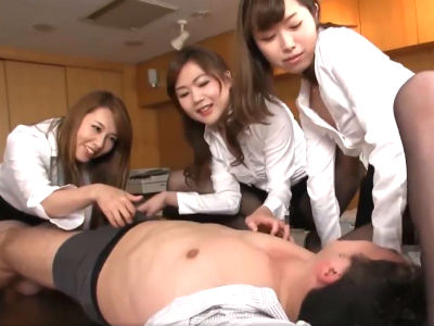 熟女OLたちが1人のM男社員を弄ぶハーレム逆レイプ 風間ゆみ 加納綾子 加藤ツバキ
