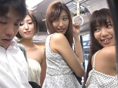 バスの中で人妻たちが男子学生を誘惑してハーレム逆痴漢 水野朝陽 神波多一花 杏堂怜